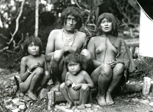 Yamana Family Group, photo by Martin Gusinde (early 20th century)